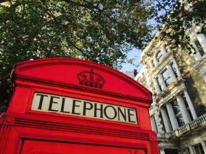 telephone-booth-1019285_1280